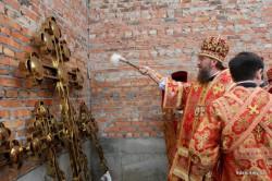 Митрополит Бориспільський і Броварський Антоній освятив хрести для Свято-Іллінського храму міста Борисполя